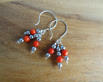 Earrings with coral