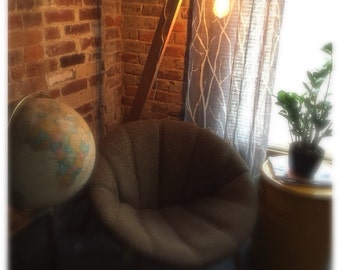 Oak floor lamp with Edison bulb