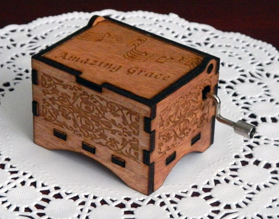 "Music Box, ""Amazing Grace"", Laser Engraved Wooden Interlocking Hand Crank Music Box"
