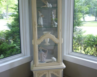 SOLD !!  Chalk hand painted China / Display Cabinet.  Or a perfect bathroom Towel Cabinet. Annie Sloan Chalk Paint, shabby chic, vintage