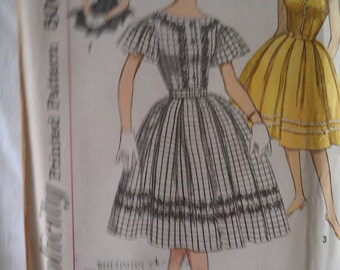 Simplicity Pattern No. 3338 Size 12 miss