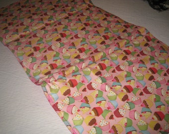 WIPEOFF CHANGING PAD --  multi color cup cakes Padded