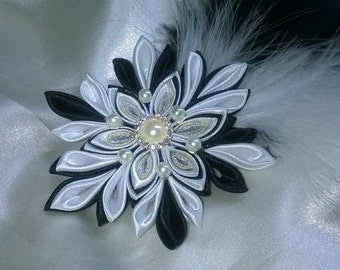 flower spirit kanzashi black and white brooch