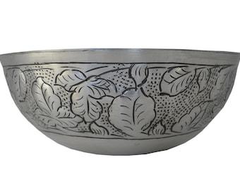 Metal Fruit Bowl w/ Leaf Design