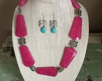CLEARANCE - Pink Butterly Necklace Set