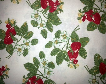 Scandinavian towel curtain or for quilting in cotton with printed strawberries from Sweden 1960s.