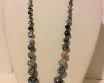 Grey blue beaded chunky agate short statemen necklace