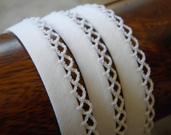 RBFC12 white - FROU FROU - scalloped cotton bias Ribbon - sold by 25 cm.