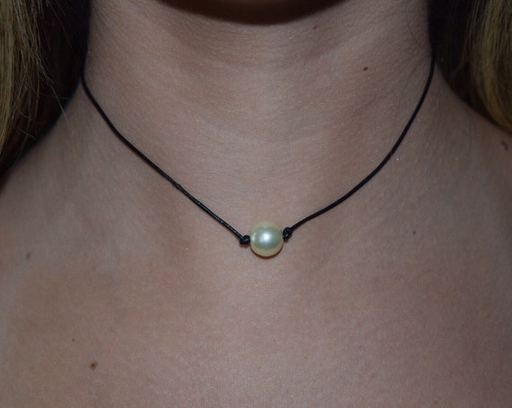 Items similar to Single Pearl choker necklace on black ...