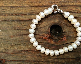 Classic White Freshwater Pearl Bracelet