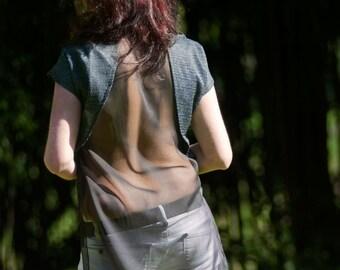 top asymmetric, bloose multi, back in transparent silk, carbon model