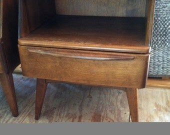 Heywood-Wakefield's 'Encore' series mid-century modern nightstand