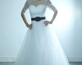 50shouse_ retro feel Polka dots illusion neckline 3/4 sleeves tulle wedding dress_ custom make