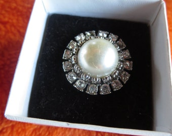 pretty pearl and diamond statement ring