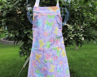 Child's 7/8 Apron with a butterfly pattern  (# 460 )