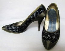 Incredible Vintage 50's, Early 60's BLACK Cut VELVET, & Satin STILETTO High Heel, Ladies Shoes, size 6 1/2