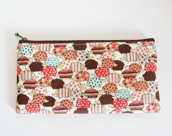 Flat  zipper pouch  - hedgehog chocholate