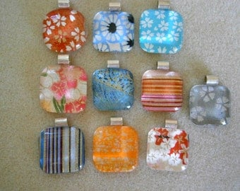 Wholesale Lot Glass Pendants with Japanese Paper,  Washi Chiyogami  Glass and Paper Pendants, Willow Glass