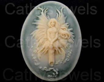 Fairy Of The Green Mist Cameo