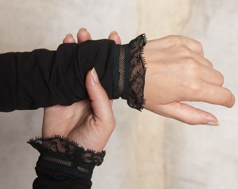 Black armwarmers with lace, Long black armwarmers, Black Jersey sleeve hems, black jersey cuffs with lace hem