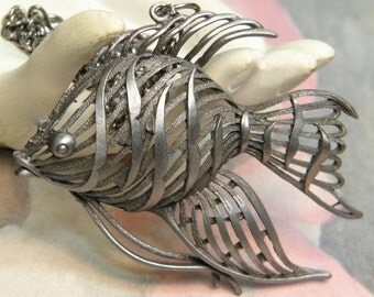 Funky Vintage Fish Pendant Necklace