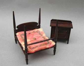 Dollhouse 4 Poster Bed & Chest 1920s German Red Stain Miniature Bedroom Set