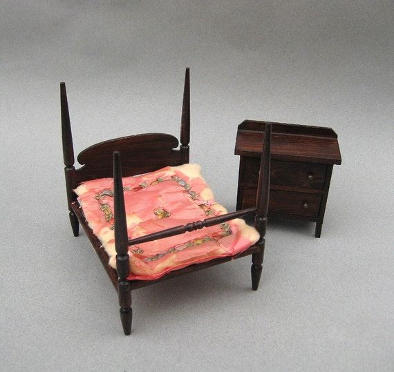 Antique Dollhouse 4 Poster Bed Chest 1920s German Red Stain