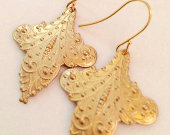 Surena Boho Chic Brass Filigree Pendant Earrings