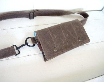 Hip Bag Fanny Pack Traveler Bag Utility Hip Belt Hip Pouch in brown waxed canvas smartphone mini messenger waist wallet Mothers minimal