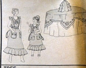 Vintage Sewing Pattern Vogue 9072 Holiday Aprons Tree  Complete Uncut