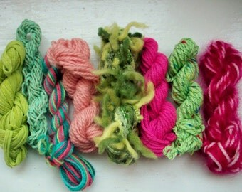Grab bag assorted yarn 50g pink, green GB JU6