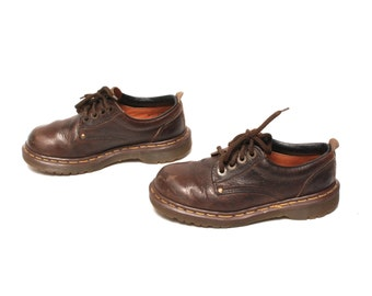 size 6.5 DOC MARTEN brown leather 80s 90s BROGUE lace up ankle boots made in England
