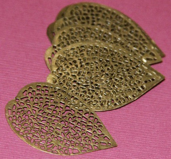 40 pcs of antiqued Brass finished filigree leaf focal 36 X24mm