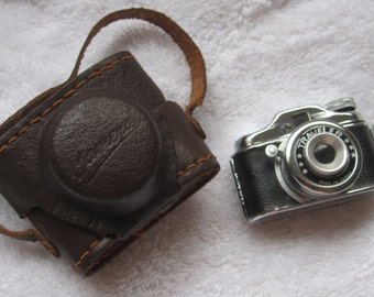 1950s Vintage Miniature Traveler Spy Film Camera and Case Made in Japan