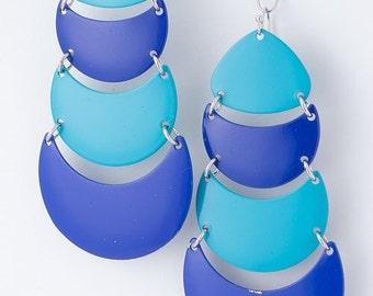 blue blu opera house metal crecent moon curve dangle serious classic rare earring two toned disc