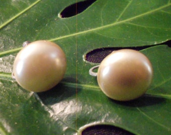 Vintage Pearlescent Button Earrings