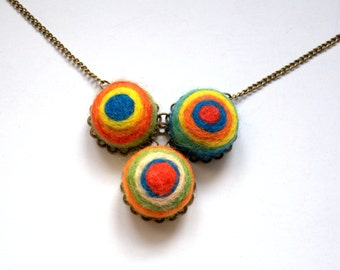 Needle felted wool colourful circle necklace brooch Valentine gift for her modern abstract Kandinsky art inspired green red blue jewellery