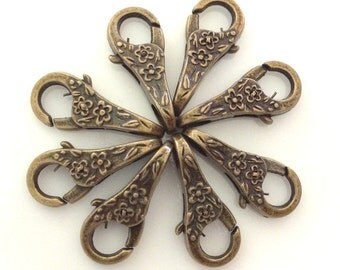 20 - Beautiful Antiqued Brass Bronze Floral clasp - 25mm x 11mm x 7mm