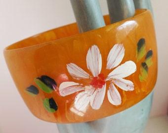 Vintage marbled Bakelite bracelet orange Bakelite bangle hand painted flower Bakelite bracelet wide Bakelite bracelet