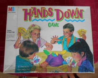 1987 Milton Bradley Hands Down Game for ages 6 and up 3 or 4 players Complete