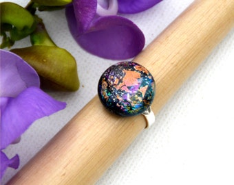 031 Fused dichroic glass ring, adjustable, silver plated, round, many colors, peach, green, blue, pink
