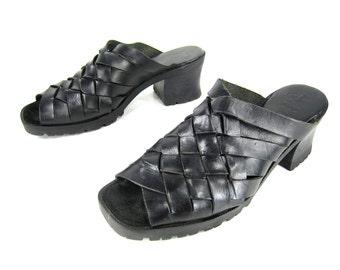 vintage 1990s black WOVEN leather sandal mules CHUNKY witchy goth BOHEMIAN womens 7 peep toe boho festival stevie