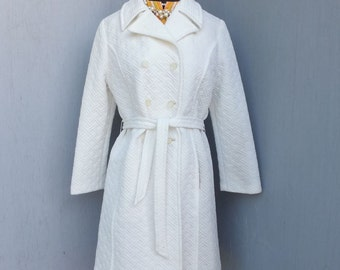 CLASSIC 1970s/80s WHITE Double Breasted Dress Coat / Lightweight Winter, Spring or Summer Dress Coat by Classic Creations of California