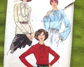 Vogue 9607 Misses 1970s Blouse Pattern Raglan Sleeve Tie Collar Gypsy Day or Evening Blouse Womens Vintage Sewing Pattern / Size 14 Bust 36