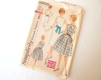 Vintage 1960's Wiggle Dress And Circle Skirt Dress Sewing Pattern, Simplicity 3909, Bust 34 Inches