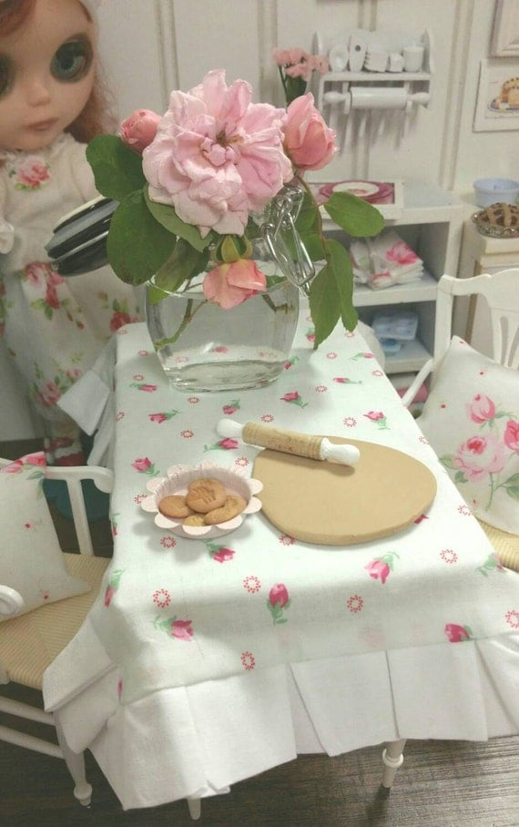 Rolled Dough, Plate of Cookies, and Rolling Pin for Blythe Doll/Barbie, 1.6 Scale