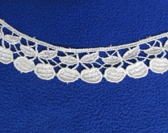 "Ivory Venice Lace Trim 1"" x 1 yd Cherry Edge Carolace Rayon/Cotton"