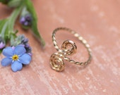 Gold toe ring adjustable ~ Wire wrapped toe ring ~ Minimalist ring ~ Twisted rosette toe ring gold