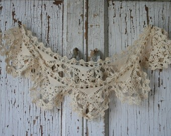 Vintage Lace Piece - Collar, Trim, Crocheted