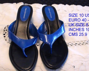 Late 80s Blue Patent Leather Sandals Prediction Shoes size 10 USA  Vintage and in great condition  On SaLe Now